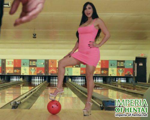 Sandra found sex in bowling